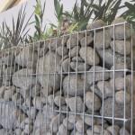 Otoczaki rzeczne w gabionach