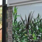 Zieleń na ścianie ogrodu zimowego